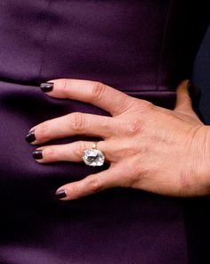 Jennifer Aniston flashed her enormous engagement ring at the new York film premiere