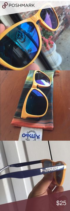 🎉🎉OAKLEY SUNGLASSES 🎉🎉 🎉🎉🎉MENS OAKLEY COMES WITH THE CASE YOU SEE Oakley Accessories Glasses