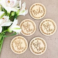 Personalize Wedding Pin Badges For style your Wedding! Wedding Badges, Wedding Pins, Wedding Groom, Wedding Day, Hen Party Badges, Wood Badge, Team Bride, Wedding Pinterest, Pin Badges