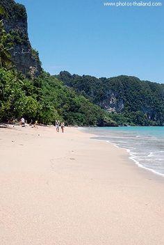 Ao Nang Beach, Ao Phra Nang, Krabi.