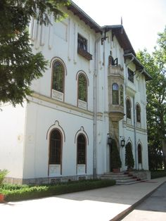 Palace Ştirbei complex is one of the examples of the eclectic architecture with European influence built in Bucharest and its surroundings in the 19th century (1850-1863) and one of the best preserved nobility domain from this period. Initially, the building looked liked a cula , with two exit tunnels in case of danger.