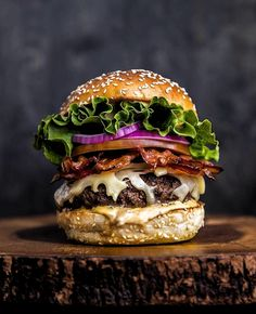Sydney must eat — Top 9 must eat food in Sydney you definitely have to try - Living + Nomads – Travel tips, Guides, News Food To Go, Good Food, Food And Drink, Yummy Food, Food Porn, Burger Night, Gourmet Burgers, Delicious Burgers, Food Stall
