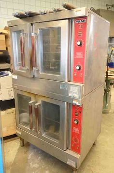 Vulcan double oven stack. Model: VC4GD. SN: 483181264. Working condition when removed from commission 3 years ago. Wall Oven, 3 Years, How To Remove, Kitchen Appliances, Cooking, Model, 3 Year Olds, Diy Kitchen Appliances, Kitchen