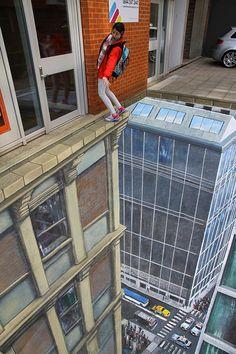 3D Street Art. I drives my brain CRAZY!!