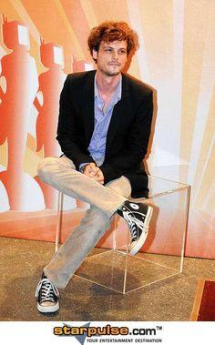 Matthew Grey Gubler in Slim Fit Jersey Blazer