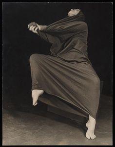 Martha Graham by Herta Moselsio, 1939