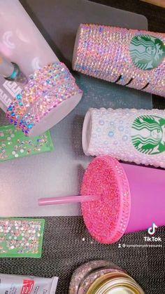 Diy Resin Crafts, Diy Crafts Hacks, Jar Crafts, Crafts To Make, Rhinestone Crafts, Rhinestone Nails, Bedazzled Liquor Bottles, Glitter Glasses, Diy Bracelets Easy