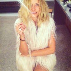 Lara Bingle; fur