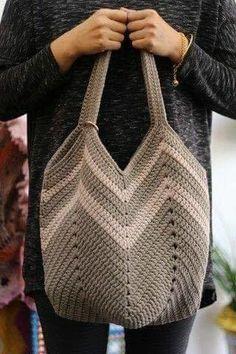 Marvelous Crochet A Shell Stitch Purse Bag Ideas. Wonderful Crochet A Shell Stitch Purse Bag Ideas. Crochet Beach Bags, Crochet Market Bag, Crochet Tote, Crochet Handbags, Crochet Purses, Filet Crochet, Diy Crochet, Free Crochet Bag, Crochet Granny