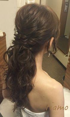 ふわふわルーズなお洒落ハーフアップスタイルの花嫁さま♡ の画像|大人可愛いブライダルヘアメイク『tiamo』の結婚カタログ Kawaii Hairstyles, Up Hairstyles, Braided Half Updo, Hair Arrange, Simple Wedding Hairstyles, Hair Setting, Half Up Half Down Hair, Wedding Images, Wedding Makeup