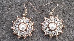 Beading4perfectionists : Pearl / superduo / seedbeads earrings beading t...