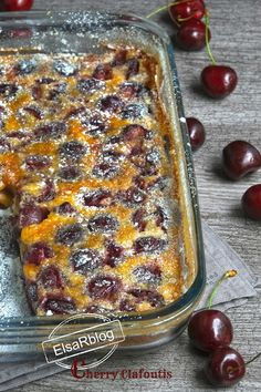 Cherry Clafoutis, Photo Food, Happy Foods, Cream Pie, Sweet 16, Holiday Recipes, Sweet Treats, Deserts, Brunch