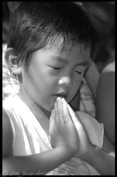 Child Praying by earlb.com, via Flickr