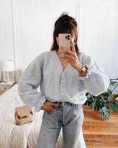 Fashion Tips Videos .Fashion Tips Videos Moda Fashion, 80s Fashion, Fashion Outfits, Fashion Tips, Fashion Websites, Fashion Hacks, Classy Fashion, Color Fashion, Fashion Essentials