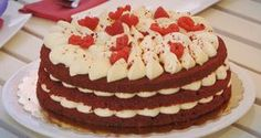 Red Velvet di Ernst Knam. La ricetta e il procedimento di questa torta direttamente da Bake Off Italia.