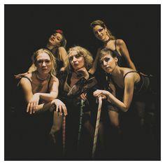 """Gruppen """"Sweet Burlesque"""" Ambassaden Aarhus IHoudino-foto.dk"""