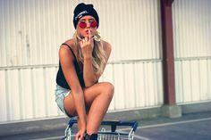 Joanna Johansson: Retro Hippie Fashion Metal Lennon Round Sunglasses Color Lens 8594