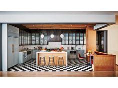 PHOTOS: Take a Tour of Naomi Watts and Liev Schreiber's Gorgeous N.Y.C. Duplex http://greatideas.people.com/2016/02/03/naomi-watts-liev-schreiber-new-york-apartment-photos/
