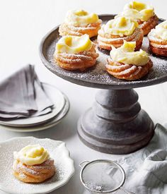 Doughnuts with lemon vanilla pastry cream :: Gourmet Traveller