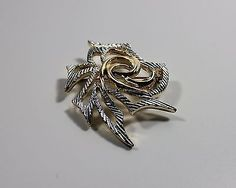Vintage-Sarah-Coventry-Silver-Gold-Tone-Oriental-Brooch-1972