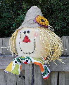 scarecrow I love you Scarecrow Crafts, Fall Scarecrows, Halloween Scarecrow, Fall Halloween, Halloween Crafts, Halloween Decorations, Scarecrow Face, Scarecrow Festival, Fall Mesh Wreaths
