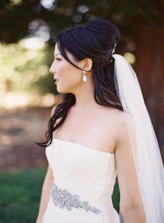 #Bride | #Veil | See the wedding on SMP - http://www.StyleMePretty.com/2014/01/02/romantic-diy-napa-valley-wedding-at-andretti-winery/ Jessica Burke Photography