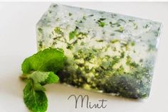 homemade soap from spare ingredients in the fridge Handmade Soap Recipes, Face Hair, Beauty Recipe, Home Made Soap, Bongs, Soap Making, Diy And Crafts, Health And Beauty, Mint