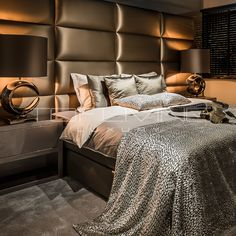 The beds are a mix of ultimate comfort and luxurious design. Bedroom Colors, Home Decor Bedroom, Modern Bedroom, Master Bedroom, Luxury Bedroom Design, Luxury Home Decor, Bedroom Layouts, Home And Deco, Luxurious Bedrooms