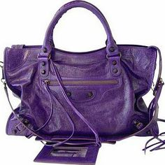 Ah! I've been dying to ind this Balenciaga purse!!!! Sooo gorgeous!!!