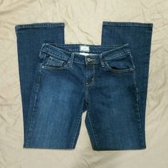 """Womens Levi's 545 Jeans These Levi's 545 Jeans are just great! They feature a medium/dark wash. They are a Low Boot Cut in size 6. These jeans are in excellent like-new condition! Inseam: 30"""" Levi's Jeans Boot Cut"""