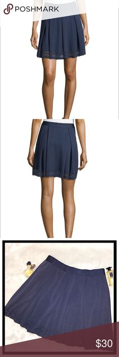 """Max Studio pleated laser cut ponte skirt w pockets Max Studio pleated ponte skirt with laser-cut hem. Size Large. Approx. 18""""L from waist to hem. Elasticized waist. ***Side slip pockets*** A-line silhouette. Pull-on style. Rayon/polyester/spandex. Hand wash. Imported. Max Studio Skirts Circle & Skater"""