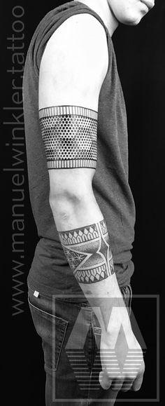 Half Tone Honeycomb Armband