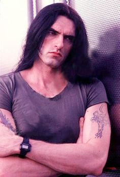 Peter Steele (lead singer of Type O Negative) Peter Steele, Type 0 Negative, Beautiful Men, Beautiful People, Rock And Roll, Famous Men, Green Man, Celebrity Crush, Pretty Boys