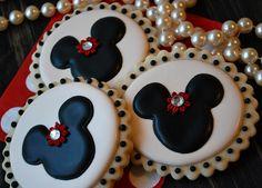 Minnie Mouse Cookies by Sweet Goosie Girl, via Flickr