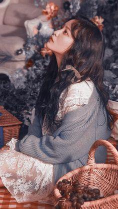 Aesthetic Photo, Aesthetic Girl, Aesthetic Pictures, Seulgi, Cute Korean, Korean Girl, Red Velvet イェリ, Aesthetic People, Kim Yerim