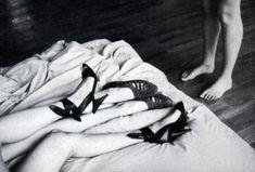 Helmut Newton, Fashion Shoes, Mario, Fashion Photography, Vogue, Asian Dating, Boobs, Valentino, Naked