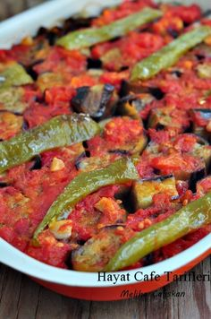 Patlıcan Yemeği – Hayat Cafe Kolay Yemek Tarifleri – Salata meze kanepe tarifleri – The Most Practical and Easy Recipes Armenian Recipes, Turkish Recipes, Gourmet Recipes, Vegetarian Recipes, Healthy Recipes, Meal Recipes, Vegetarian Lifestyle, Cetogenic Diet, Eggplant Dishes