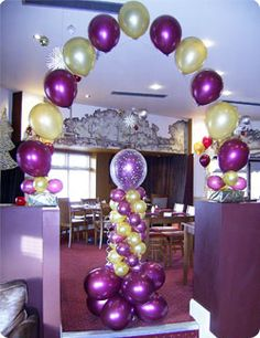 1000 images about 25th wedding ideas and arrangements on for Balloon decoration companies