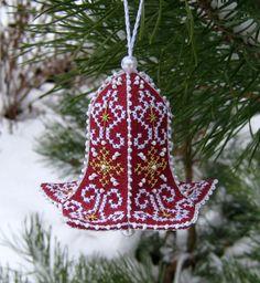 Embroidered Christmas Ornaments, Christmas Towels, Fabric Ornaments, Christmas Embroidery, Christmas Fabric, Handmade Ornaments, Christmas Cross, Handmade Christmas, Christmas Tree Ornaments
