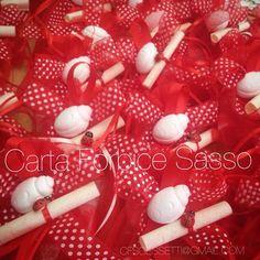Sacchetti rossi per una laurea, con pergamena, e doppia coccinella... Ad maiora!  Red bags for a degree , with parchment , and double ladybug !