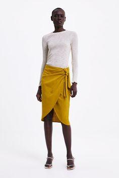 ZARA - Female - Knotted pareo skirt - Mustard - S Animal Print Skirt, Floral Print Skirt, Check Mini Skirt, Zara Australia, Online Zara, Frilly Skirt, Tweed Mini Skirt, Faux Leather Skirt, Skirts With Pockets