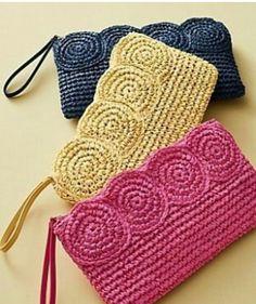 -----Bossa de mà amb ràfia-----Crochet Paper Straw Clutch__Discover your new look at Talbots. Shop our Crochet Paper Straw Clutch for stylish clothing and accessories with a modern twist at Talbots Weitere Informationen erhalten Sie in der Post. Crochet Clutch Bags, Crochet Pouch, Crochet Handbags, Crochet Purses, Crochet Gifts, Diy Crochet, Crochet Baby, Crochet Ideas, Crochet Shell Stitch