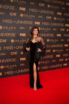 35e2b5fe1ba2 Sushmita Sen stuns in a black gown at the Miss Universe 2016 pageant!
