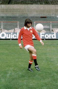 George Best playing keepie uppie back in 1972.