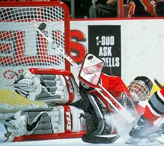 Dominik Hasek, Buffalo Sabres, one of the best goalies of all time Bernie Parent, Goalie Pads, Hockey Boards, Usa Hockey, Florida Panthers, Buffalo Sabres, National Hockey League, Face Off, Boston Bruins
