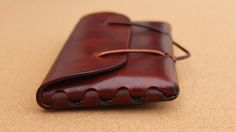 ORI Every Day Carry Leather Pouch の動画サムネイル