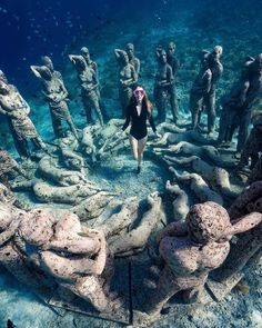 natur fotographie Explore the underwater beauty of Gili Meno in West Nusa Tenggara, Photo by: IG adamfreediver Vacation Places, Dream Vacations, Vacation Spots, Beautiful Places To Travel, Cool Places To Visit, Vietnam Voyage, Travel Aesthetic, Adventure Is Out There, Adventure Travel