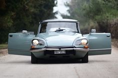 Why The Citroën DS Is Still The Ultimate Luxury Car • Petrolicious