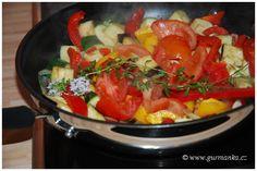 barevná zelenina na pánvi - ratatouille Ratatouille, Pork, Stuffed Peppers, Vegetables, Ethnic Recipes, Sweet, Pork Roulade, Pigs, Stuffed Pepper
