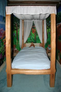 James Harvey Furniture - Single Sleeper - Single four poster - First Images